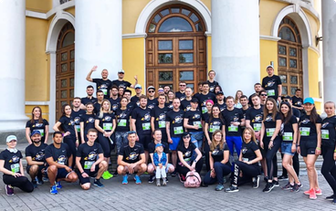 Participants from the Chestnut run posing for a group photo